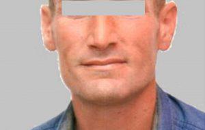80 grammi di erba in casa: arrestato 42enne