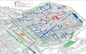 Ecco il nuovo piano della sosta: aumentano i parcheggi liberi, stalli a pagamento su Corso Garibaldi e all'Ospedale Perrino