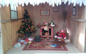 Il villaggio di Babbo Natale nella Scuola dell'Infanzia Modigliani 16, al quartiere Sant'Elia
