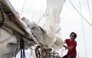 Incontro a Brindisi con Francesco Cappelletti,  l'unico italiano che parteciperà alla Golden Globe Race 2018, la più rischiosa regata in solitario intorno al mondo