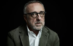 """Giovedì Silvio Orlando porta in scena a Mesagne la commedia """"Lacci"""""""