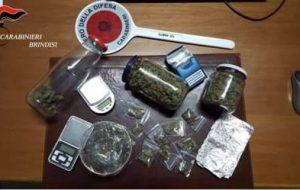 130 grammi di erba nell'armadio: arrestato minorenne