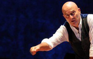 Father and Son: giovedì 22 Claudio Bisio al Nuovo Teatro Verdi di Brindisi