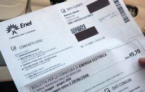"""Adoc: """"possibile rincaro di 5 euro ad utenza per compensare i rimborsi alle società elettriche"""""""
