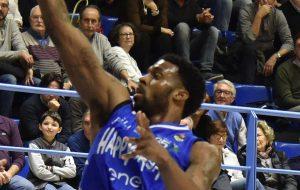 L'Happy Casa Brindisi onora l'ultimo match di campionato ma cede a Cantù nel finale