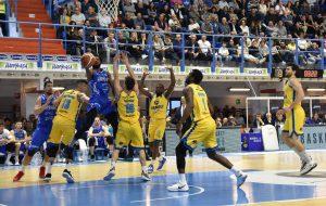 Terzo quarto da incubo e l'Happy Casa Brindisi perde anche contro Cremona