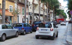 Corso Garibaldi invaso dalle auto: cosa ne pensano i candidati sindaco?