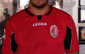 Stanislav Petryichko firma con la Junior Fasano