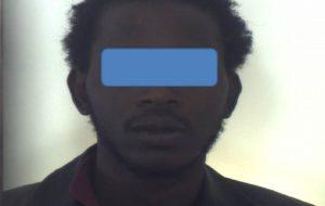 Tenta di rapinare minorenne: arrestato pregiudicato