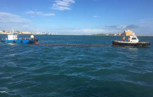 Un Cesna con 10 persone a bordo costretto all'ammaraggio nel porto di Brindisi, ma è solo un'esercitazione