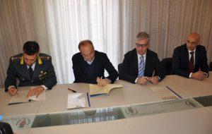 Firmato il Protocollo d'intesa tra la Guardia di Finanza, l'Agenzia delle Entrate ed il Comune di Brindisi finalizzato a potenziare l'azione di contrasto all'evasione fiscale