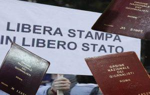 Giù le mani dall'informazione: anche i giornalisti brindisini contro il bavaglio alla stampa