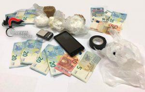 I Carabinieri mettono al setaccio i quartieri Paradiso e Perrino: un arresto, sequestrati 170 grammi di cocaina