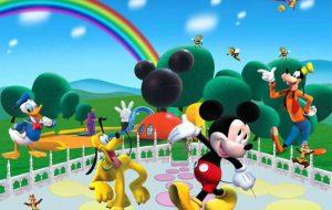 Musica e colore sui corsi: lunedì il Dixieland; martedì e mercoledì la parata dei personaggi Disney