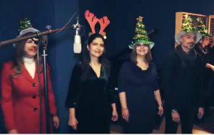 """FdI in piazza per """"Adesso si che è Natale"""". Intanto sui social spopola il video di """"All I want for Christmas"""""""