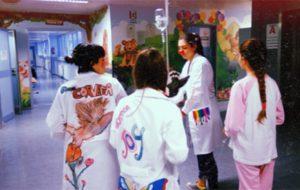 """Gli studenti del Marzolla con la Clownterapia: """"Basta un solo, vero sorriso, a renderti umano"""""""