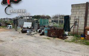 Froda 70.000kwh di energia elettrica e stocca illegalmente rifiuti pericolosi: arrestato