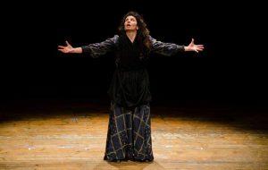 "La Ianara: Elisabetta Aloia alla rassegna ""Teatri a Vapore"" al Binario23"