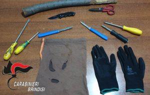 In auto con arnesi da scasso: denunciati due giovani di Villa Castelli