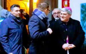 Anche il vescovo di Oria visita la mostra dedicata agli Ulivi