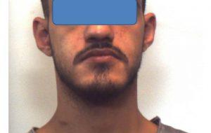 13 grammi di cocaina nascosti in camera da letto: in 11 mesi arrestato quattro volte per possesso di droga