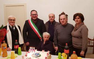 Nonna Maria Turrisi compie 104 anni: è la più longeva di San Michele Salentino