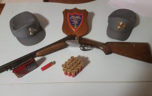 Imbracciava fucile da caccia clandestino: arrestato bracconiere