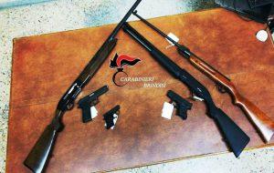 62enne arrestato per detenzione illegale di armi da sparo