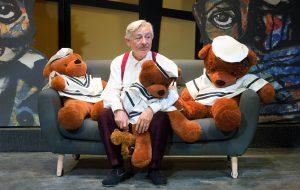 """Teatro Verdi: promozione last minute per """"Pensaci, Giacomino"""" con Leo Gullotta"""