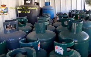 La Finanza sequestra 400 bombole GPL commerciate illegalmente