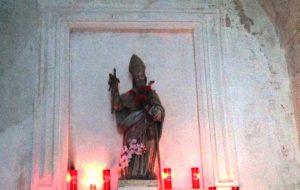 Centinaia di fedeli rendono omaggio a San Biagio, Protettore della Città bianca