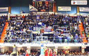 La Curva Sud Brindisi Basket sulla decisione della FIP di far eseguire l'inno di Francia