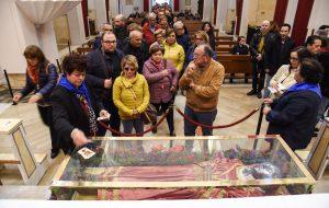 Erchie si prepara per la processione del 1° maggio con i corpi di S. Lucia e Sant'Irene
