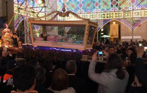 """Erchie dona le chiavi a Sant'Irene e festeggia Santa Lucia. Il messaggio del vescovo Pisanello: """"Donate la vita"""""""