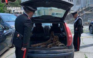 Rubano ferro vicino ai binari della linea Brindisi-Taranto: arrestati