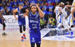 Happy Casa e New Basket Brindisi insieme per altri tre anni: firmato il contratto