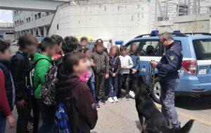 I piccoli studenti di Cisternino in visita alla Questura di Brindisi