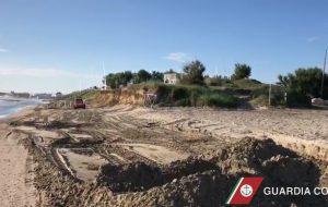 Furto di sabbia nella Riserva Protetta di Torre Guaceto: due denunce