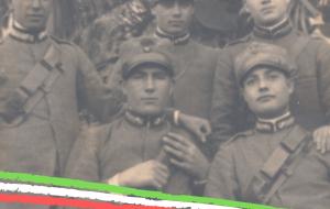 Due lapidi in ricordo dei 122 soldati di San Michele Salentino deceduti nelle due Guerra Mondiale