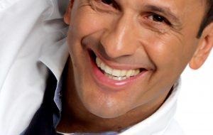"""Uccio De Santis Show """"Vi racconto il mio Mudù"""" il 23 Giugno 2019 al Giugrà di Ostuni"""