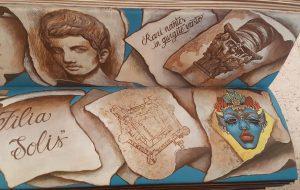 I versi della sera: lettori protagonisti sulla panchina letteraria di Palazzo Nervegna