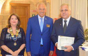 Rotary Club Brindisi Valesio: Franco Lisco passa il martelletto a Silvana Libardo