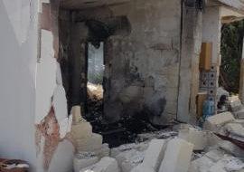 Esplosione in una villetta a Francavilla: si scava sotto le macerie