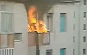 Alba di paura al Quartiere Sant'Angelo: Esplode climatizzatore e va fuoco palazzina, intervengono i Vigili del Fuoco