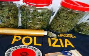 Arrestato 28enne brindisino: in casa aveva 750 grammi di marijuana