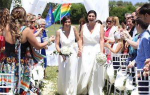 Si è svolto ieri presso Masseria Caselli il primo matrimonio tra donne del Comune di Carovigno.