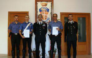 Il Comandante De Magistris premia due Carabinieri distintisi in attività di servizio