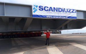 La piattaforma Scandiuzzi pronta per salpare verso il porto di Genova