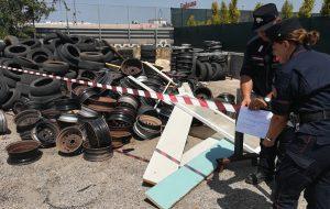 Container usato come discarica abusiva di una officina meccanica: denunciate tre persone