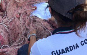 L'impegno della Guardia Costiera contro la pesca di frodo a Torre Guaceto